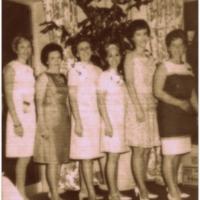 RG013_C08_19670000_womensclub.jpg